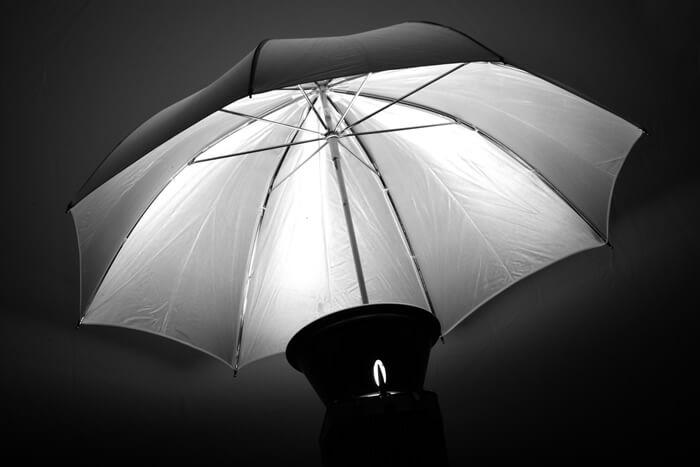 日傘の内側が銀色(シルバー)の日傘は逆効果!